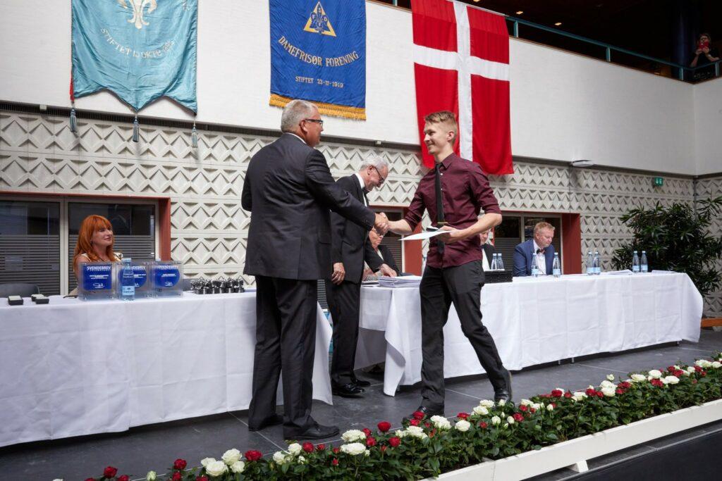 Greeting Chairman of the Industrial Association of Artisans and Craftsmen in Odense, Kurt Adamsen